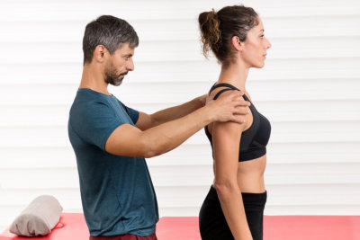 postural evaluation on a young female patient