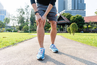 an elderly who has osteoarthritis